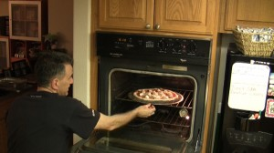 Condimento pizza fatta in casa teglia perforata