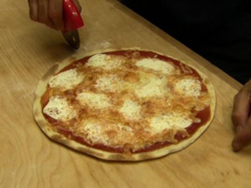 Video Ricetta Pizza Veloce senza lievito fatta in casa