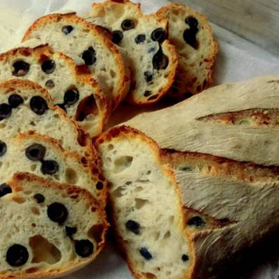 Ricetta Pane alle Olive Nere - Le Ricette di VivaLaFocaccia